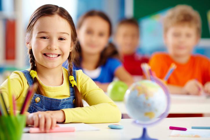 Как понять, что ребенок готов идти в школу, и что он должен уметь к первому классу