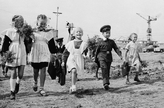 Гимназистки, курсистки, ученики школ и учителя на фотографиях из дореволюционной России